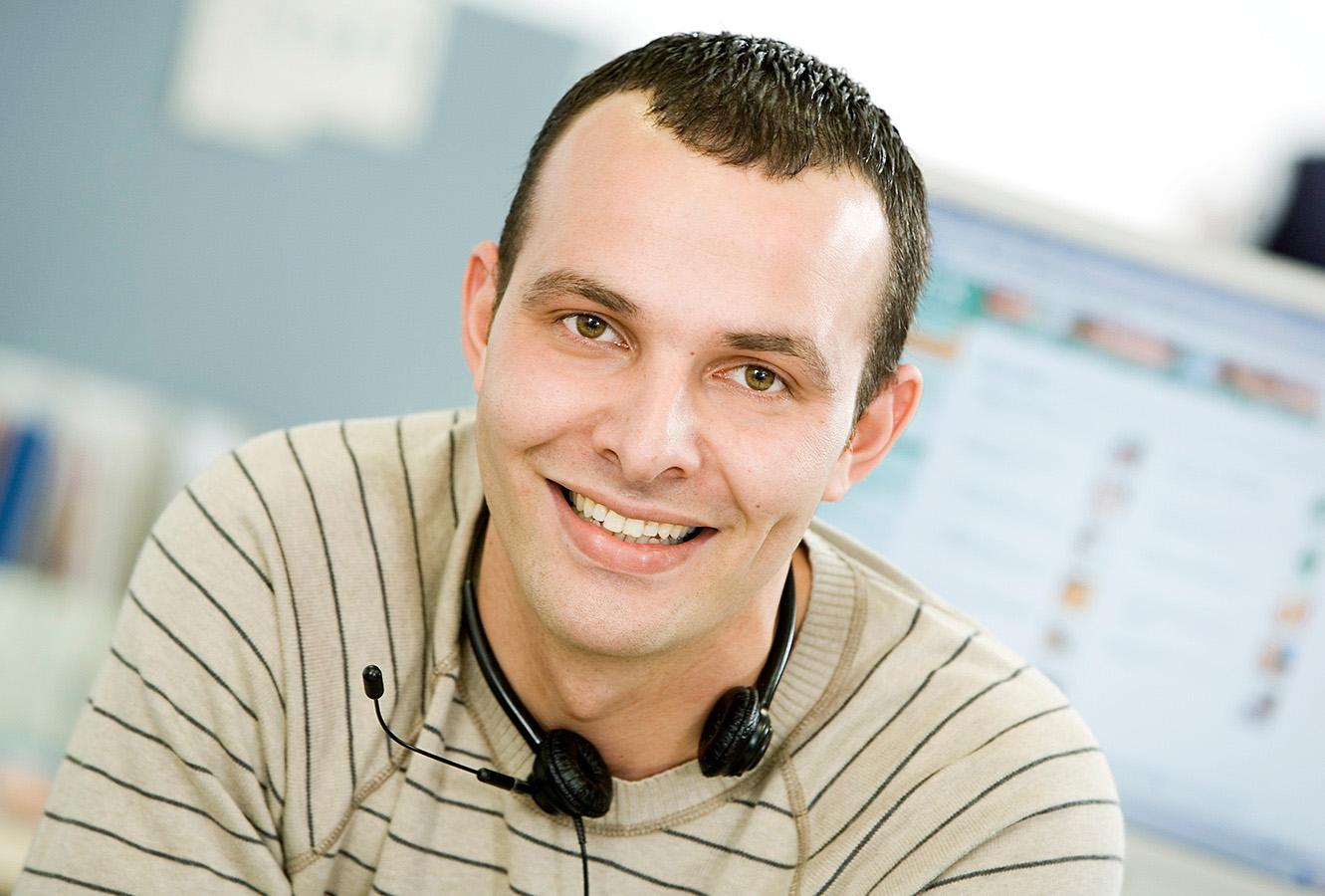 Portrait Mitarbeiter Call-Center